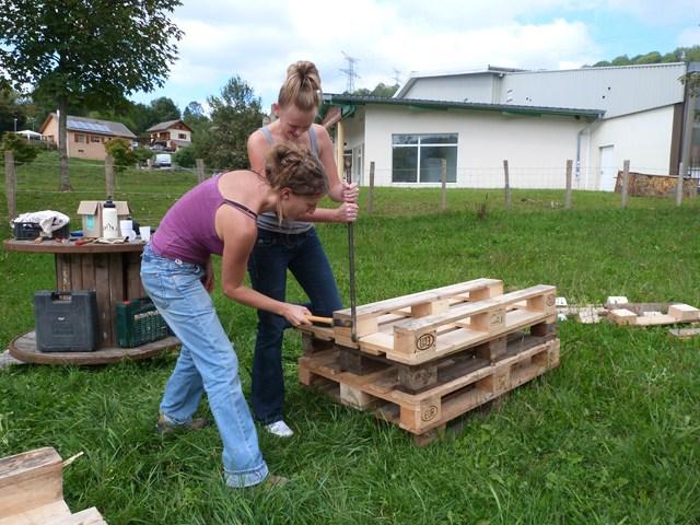 1re tape dmonter les palettes - Fabriquer Un Composteur En Bois Avec Des Palettes